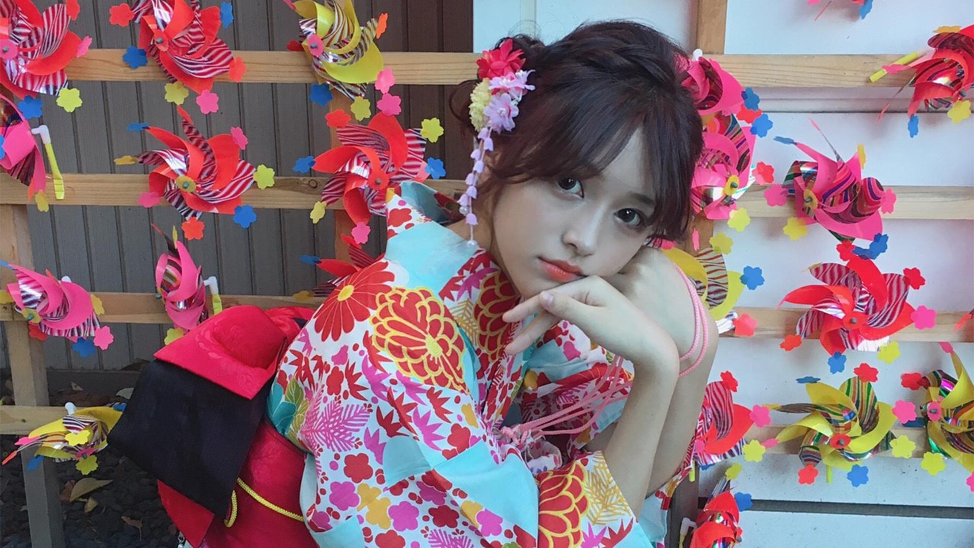 YuunaMochida_girlPhoto